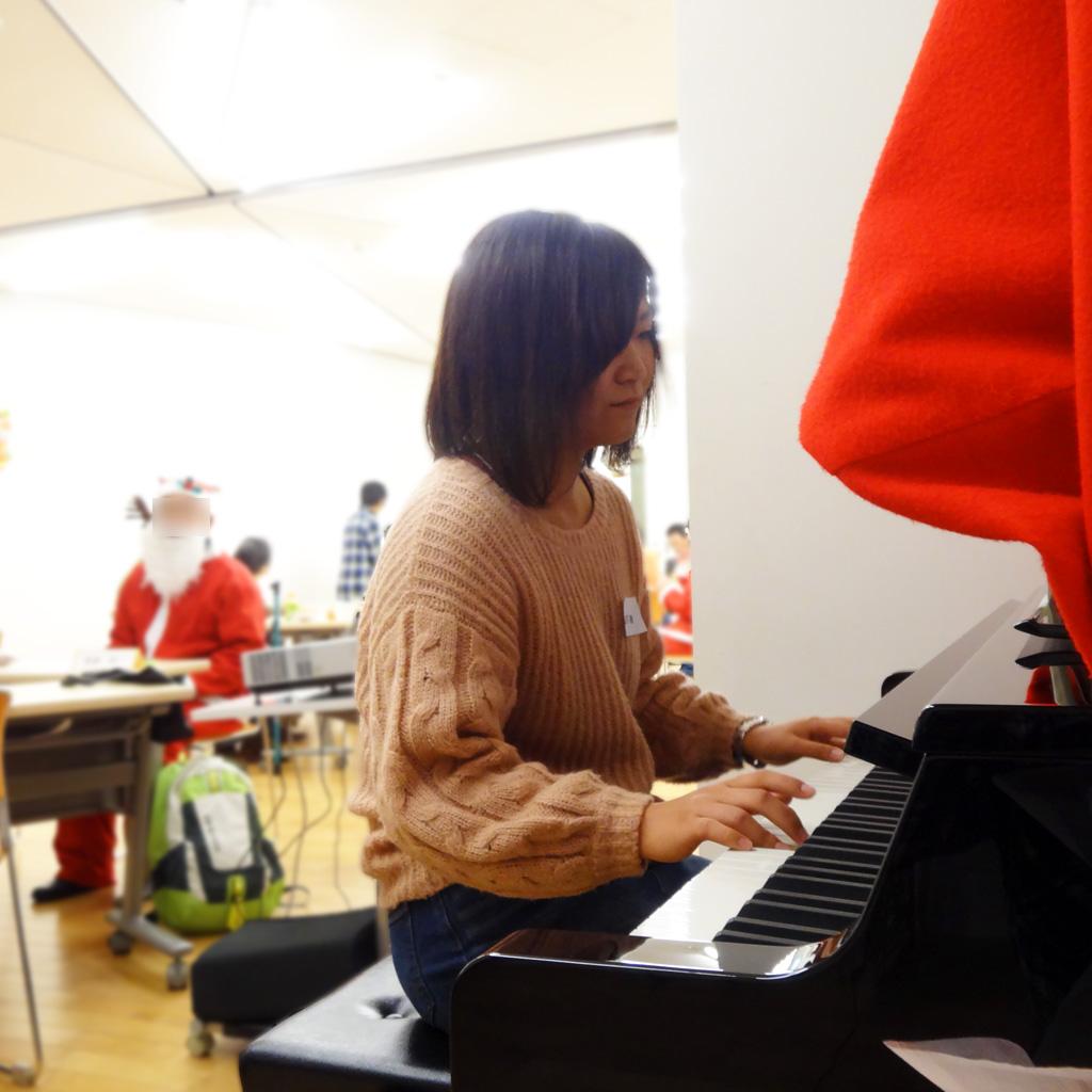 第5回交流会/山下さんによるピアノ伴奏
